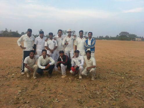 Standing (L to R): Gokul, Ashish, Bhargav, Goutham, Kaustubh (C), Shiv, VickySquatting (L to R): Gokul, Chetan, Dinesh, Harsha (WK), Gautam R