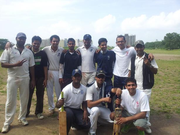 Standing (L to R): Suhas, Rohit, Goutham,Sachin, Gokul (VC), Deepak, Kangan, Rahul Squatting (L to R): Pradeep, Yugank (C/WK), Gaurav
